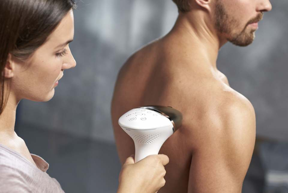 Philips Haarentferner Lumea for Men mit Intense Pulsed Light Technologie.