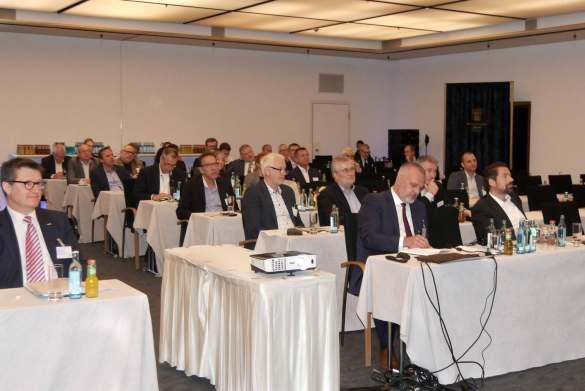 Knapp 200 Branchenpersönlichkeiten kamen in Dresden zusammen.