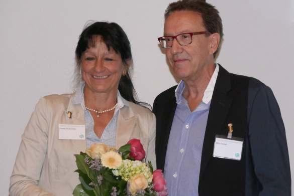 Willy Fischel, bis Herbst 2018 Geschäftsführer des BVT Handelsverband Technik, verabschiedete mit launigen Worten das langjährige BVT-Vorstandsmitglied Claudia Runte.