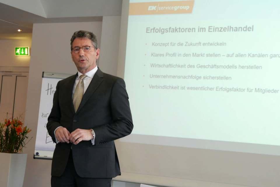 """""""Wir mobilisieren alle Kräfte, um unsere Handelspartner durch Investitionen in zukunftsrelevante Leistungen gut aufzustellen"""", Franz-Josef Hasebrink, EK Vorstandsvorsitzender."""