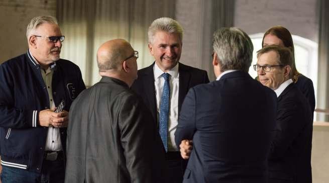 NRW-Wirtschaftsminister Pinkwart im Dialog. Links: Frank Rehme (Future City Langenfeld).