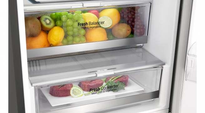 Die Schubladen sind ideal für die Lagerung von Obst und Gemüse, beziehungsweise Fleisch und Fisch.