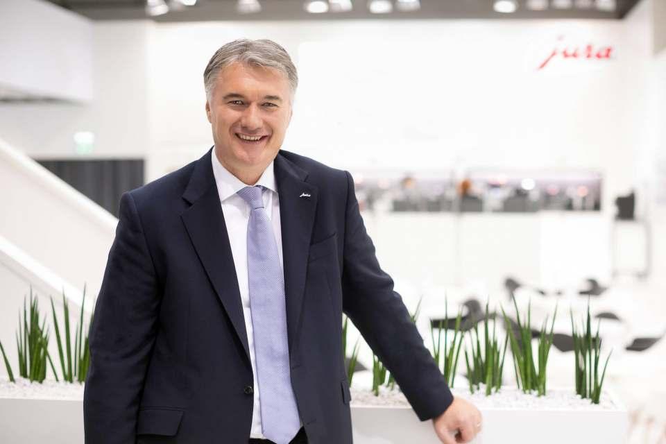 """Die Auszeichnung beflügelt uns und zeigt, wie wichtig Markenpflege und -konsistenz sind"""", so Jura Deutschland-Geschäftsführer Horst Nikolaus."""