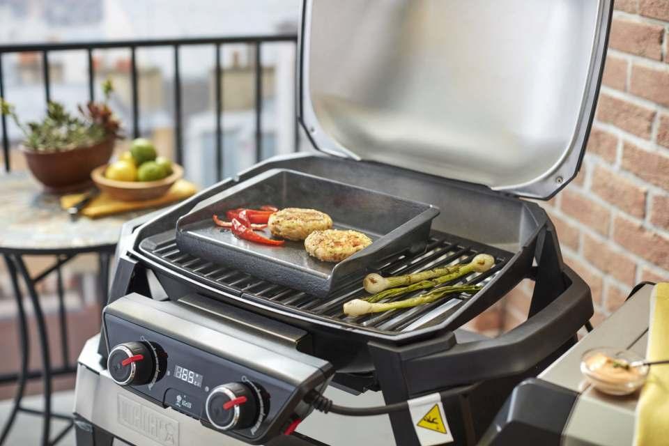 Ob Gemüse oder Fleisch: Der Elektrogrill grillt fettarm und gesund. Foto: Weber