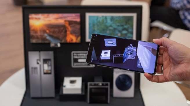 Die kleine Klappbox von Samsung zur Erklärung von Smart Home.