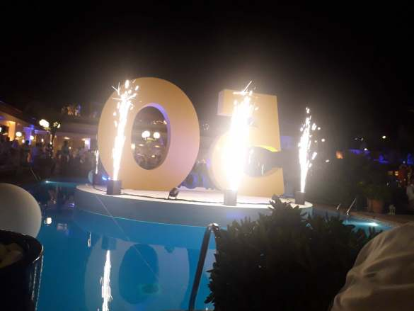 Das Beste kommt zum Schluss: Geburtstagsfeier im Club Mhares.
