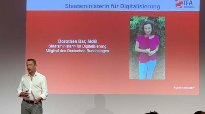 Dorothee Bär, Staatsministerin für Digitalisierung, betonte in einem Videogruß die Unterstützung der Bundesregierung für die IFA.
