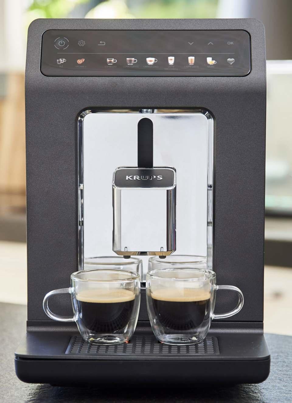 Krups Kaffeevollautomat Evidence One mit 12 automatischen Getränkevariationen.