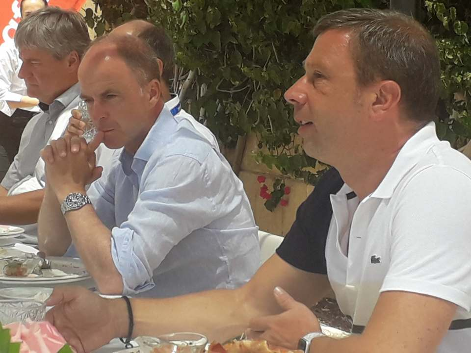 Informierten über die IFA-Vorbereitungen und den Planungsstand der Frühjahresmesse von Euronics/expert: IFA-Direktor Jens Heithecker (r.) und Dr. Christian Göke (2.v.r.), CEO der Messe Berlin.