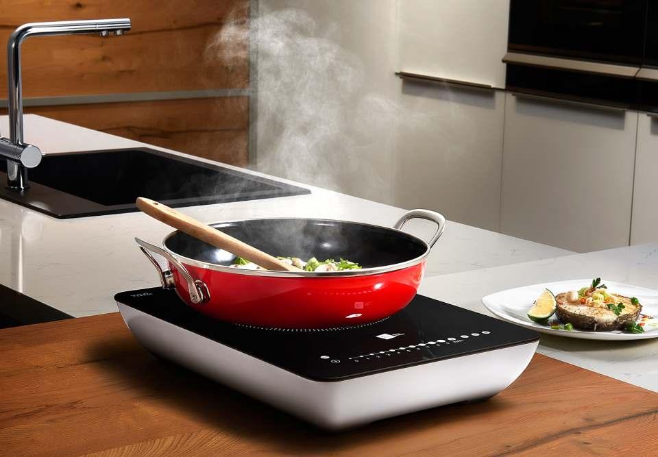 Miji Induktionskochfeld Star3 Twist ist ein mobiles Kochfeld.