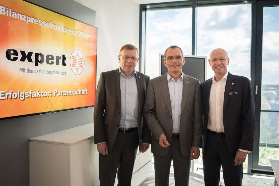 Der Vorstand der expert SE zog gestern Bilanz: Gerd-Christian Hesse, Dr. Stefan Müller (Vors.) und Frank Harder (v.l.n.r.).