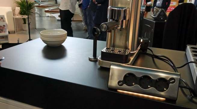 In der letzten Woche zeigte WMF auf der IFA IMB eine beleuchtete Steckdosenverlängerung im Lumero-Design.