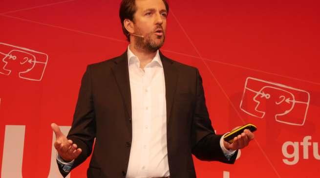 Referierte über die Rolle der Künstlichen Intelligenz im Bereich der Hausgeräte: Dr. Thomas Salditt, Leiter Digital Business Enabling bei der BSH.