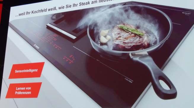 Dank KI weiß das Kochfeld, wie Sie Ihr Steak am liebsten mögen.