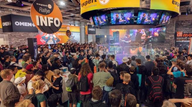 Tolle Stimmung in Halle 7.2a: Der Messeauftritt von expert war vor allem bei den jungen Besuchern sehr beliebt.