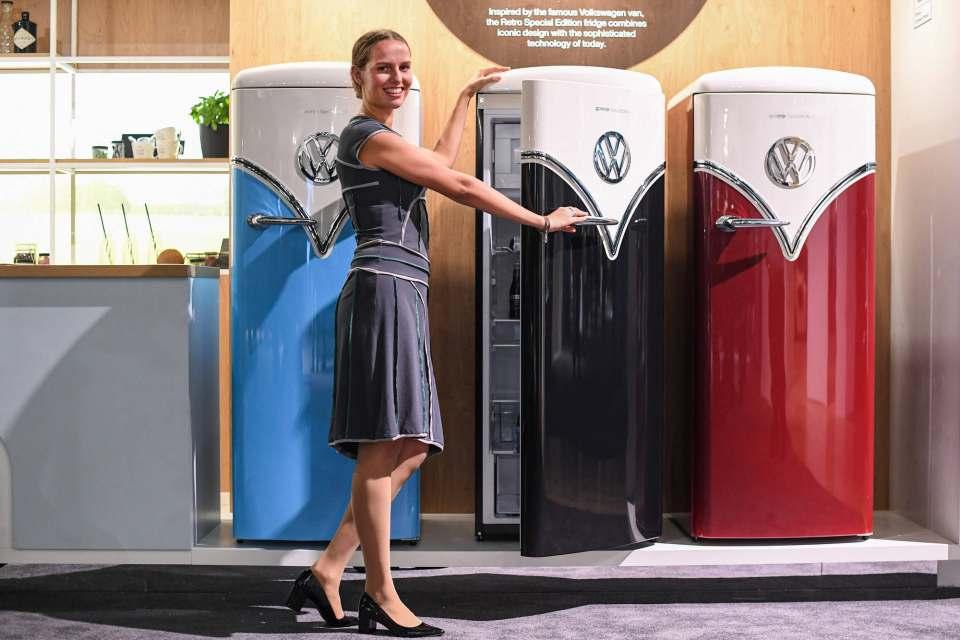 Und noch ein Hingucker: die VW-Retro-Kühlschränke bei Gorenje unter dem Dach von Hisense.