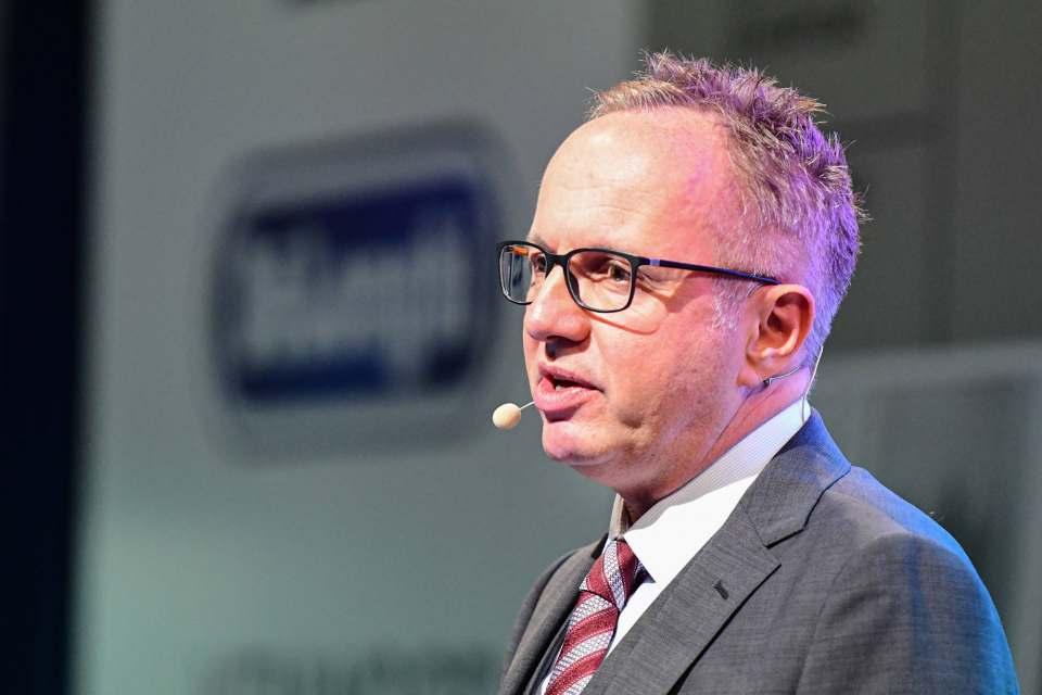 """""""Wir geben uns mit dem Status quo nie zufrieden. Wir versprechen und wir liefern"""", Stephan Tahy, Geschäftsführer De'Longhi Deutschland."""