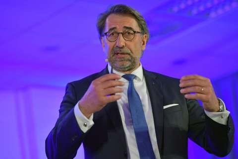 """""""Omnichannel ist keine Erfindung des Handels, sondern eine Reaktion auf die Bedürfnisse der Kunden"""", Prof. Dr. Wolfgang Merkle."""