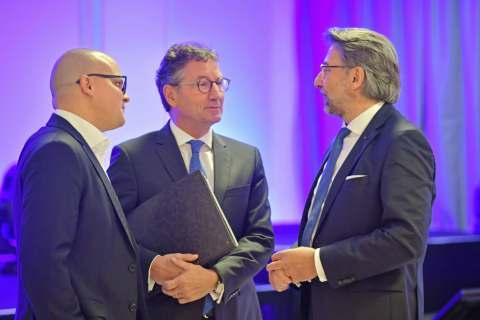 Im Dialog (v.l.): Jochen Pohle, Franz-Josef Hasebrink und Prof. Dr. Wolfgang Merkle.