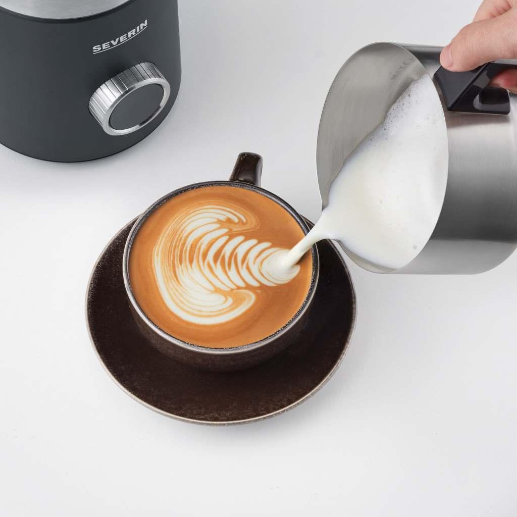 Latte Art mit der Weltneuheit Spuma 700 Plus