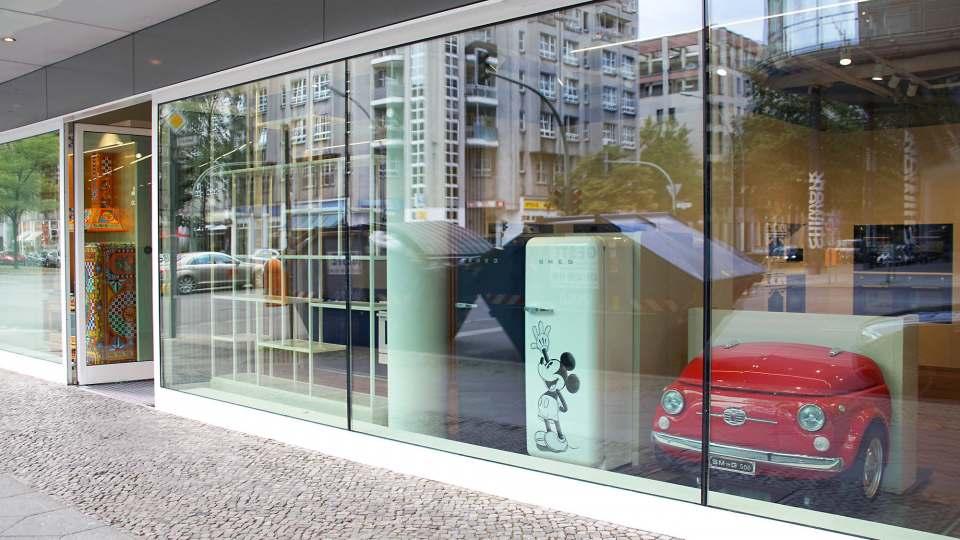 Hotspot an der Kantstraße in Berlin. Der runderneuerte Flagshipstore von Smeg.