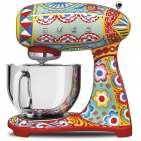 Smeg Küchenmaschine Dolce & Gabbana mit 10 Leistungsstufen.