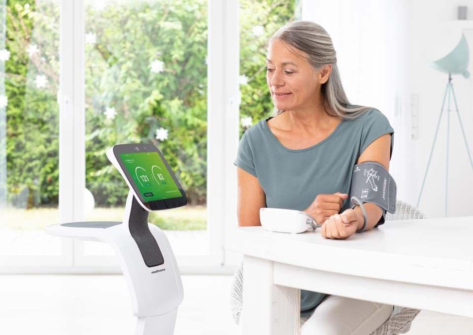 Home Care Robot von Medisana mit neuen Service-Leistungen.
