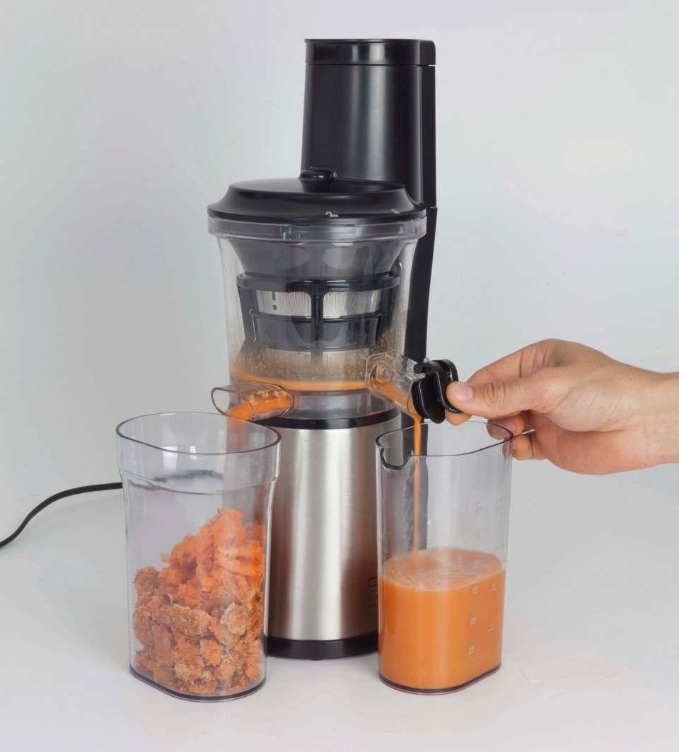 Caso Design Slow Juicer SJW 500 mit Stopp- und Mix-Funktion.