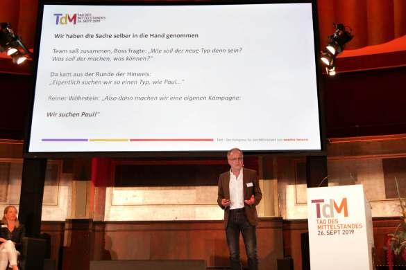 Reiner Wöhrstein, Foto Wöhrstein aus Singen, präsentierte seine hochbeachtete Kampagne zur Mitarbeitergewinnung.