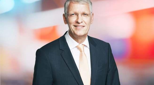 Dr. Bernhard Düttmann springt für zwölf Monate als Vorsitzender des Ceconomy-Vorstands ein.