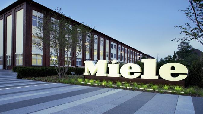 Mitten im Epizentrum: die Miele-Zentrale in Gütersloh Fotos: Miele, Messe Berlin, Xplace