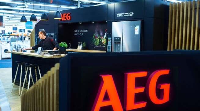 Einladend und offen: Der Pop-up-Store von AEG bei Saturn in Hamburg.