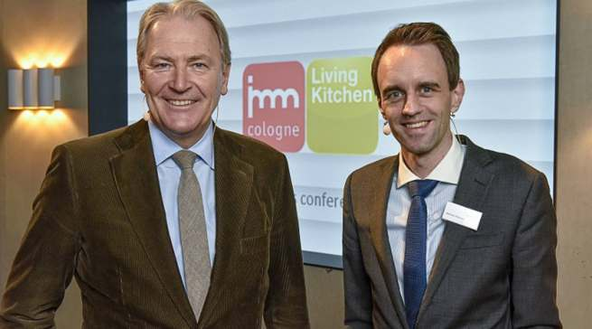 Standen in Köln ein Jahr vor der LivingKitchen 2021 Rede und Antwort: Gerald Böse (l.), Vorsitzender der Geschäftsführung der Koelnmesse und Matthias Pollmann (Geschäftsbereichsleiter Messemanagement).