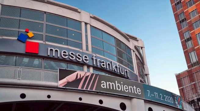 """Blauen Himmel über der Messe Frankfurt gab es nur am Freitag. Dann kam """"Sabine""""."""