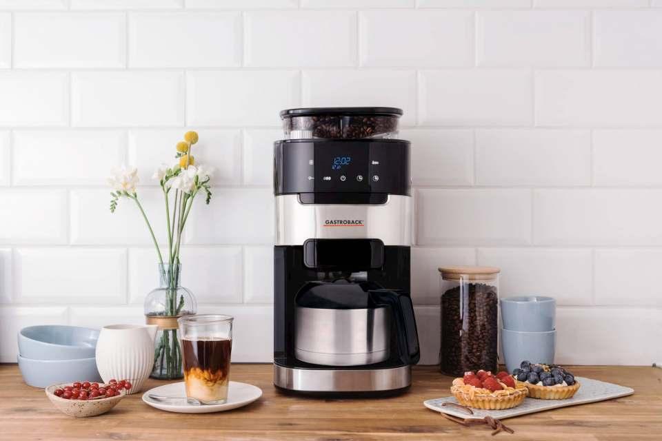 """Wie gemacht für einen wunderbaren Morgen: Kaffeemaschine """"Grind & Brew Pro Thermo"""" von Gastroback."""