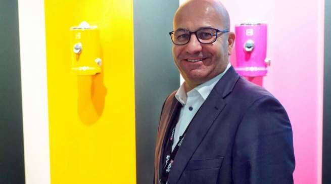 """""""Bringen Sie mit dem hippen neuen Design und einer unserer neuen Komplementärfarben mehr Frische und Schwung in Ihre Küche"""", Novissa CEO Wolfgang Steiner."""