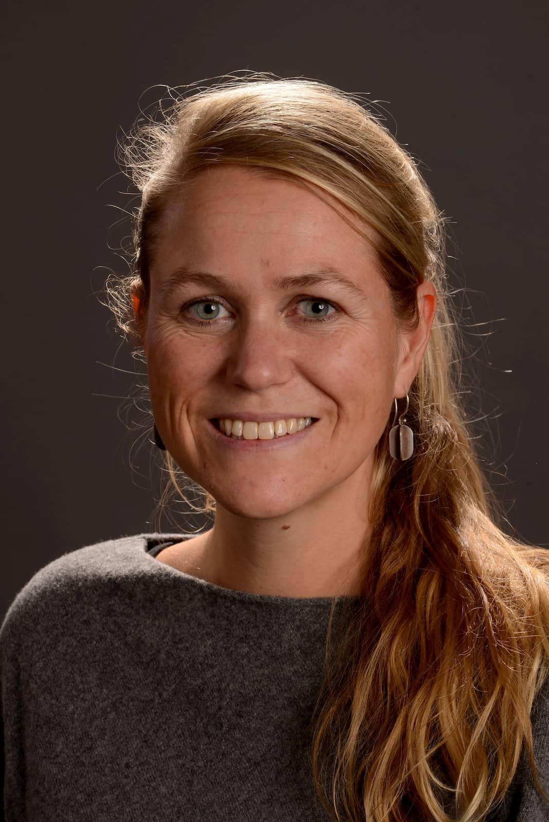 """Dipl. Ing. Nina Hangebruch von der TU Dortmund arbeitet an einer Studie zum Thema """"Digitalisierung und Konsum im ländlichen Raum""""."""