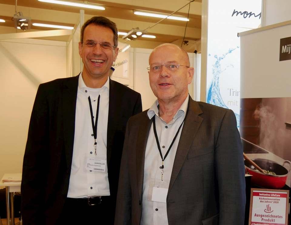 Sehen ihrer Zusammenarbeit optimistisch entgegen (v.li.): Jörg Schubarth-Engelschall, Geschäftsführer SVS, und Michael Eising, Leiter Vertrieb und Projekte bei Miji.