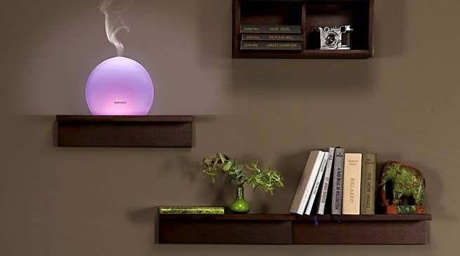 Der Soehnle Aroma Diffuser Torino verbreitet dezenten Duft, verbunden mit einem harmonischen Lichtspiel.