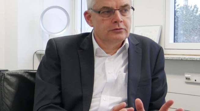 """""""Wir geben den Unternehmern weitreichende Hilfestellungen, ja weitreichendere denn je"""", EP-Vorstand Karl Trautmann."""