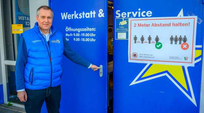 """""""Unsere Kunden finden es prima, dass wir mit unseren Reparaturen und Installationen für ihre Bedürfnisse da sind"""", Dirk Wittmer (Euronics XXL Johann+Wittmer)."""