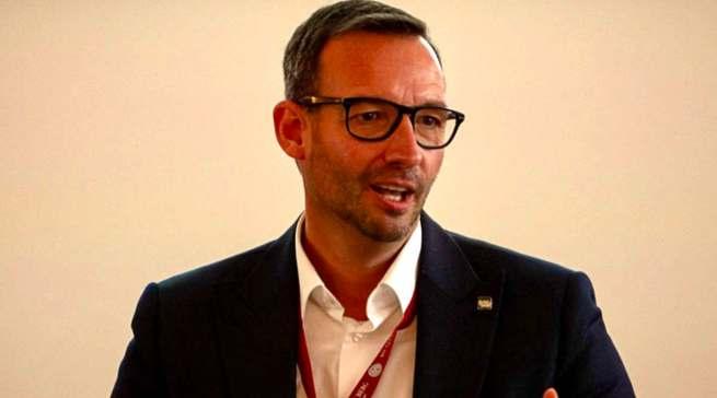 """""""Steckt den Kopf nicht in den Sand!"""" Martin Wolf, Leiter Vertrieb und Marketing Elektro/Küche/Licht bei der EK/servicegroup."""