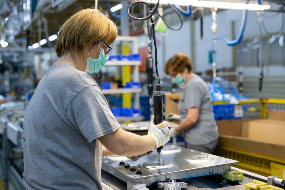 In den europäischen Fabriken von Hisense Gorenje soll die Produktion nach Ostern wieder anlaufen.