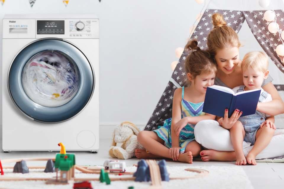 Haier Waschmaschine HW80-B14876 mit 8 kg Fassungsvermögen.