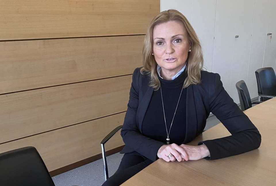 """""""Die Kunden sind aufrichtig dankbar. Das zahlt langfristig auf die Kundenbindung ein"""", Anja Maucher im infoboard.de-Interview. Fotos: expert Herfag"""