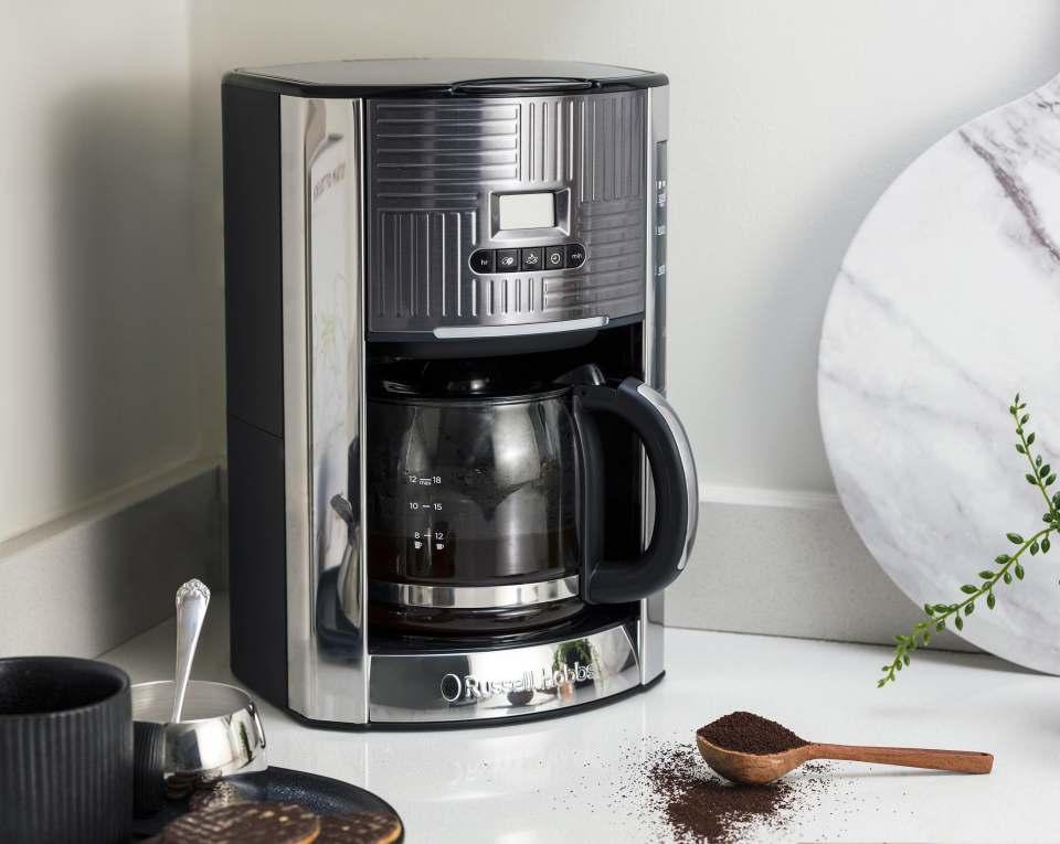 Russel Hobbs Kaffeemaschine Geo Steel mit Brausekopf-Technologie.