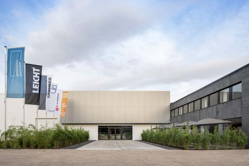 Liebherr wird seine Gäste in der Architekturwerkstatt in Löhne begrüßen. Foto: Constantin Meyer
