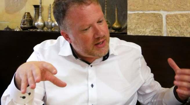 """""""Wir bekennen uns zu den Präsenzmessen und schätzen den direkten Kontakt mit unseren Kunden"""", Markus Bisping."""