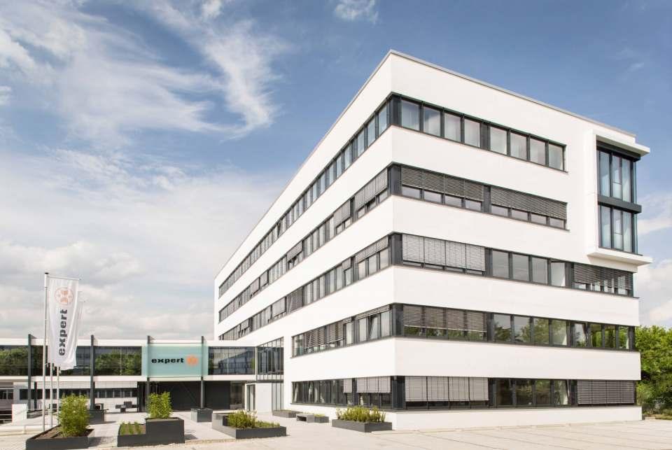 Kurzarbeit beendet: expert-Zentrale in Langenhagen