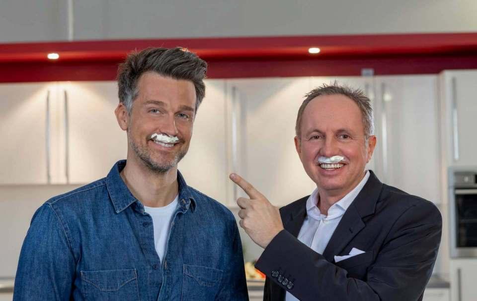 Aufmerksamkeitsstarke Milchschaumbart-Kampagne zu Jahresbeginn: Wayne Carpendale (l.) und Stephan Tahy.